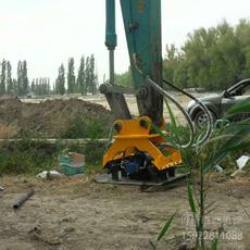 地基夯实回填土夯实挖掘机液压平板振动夯实机用处多